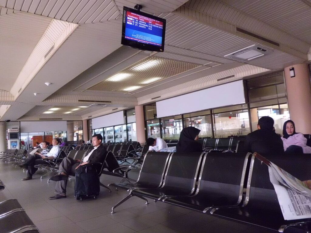 zona de imbarcare in avion la aeroport